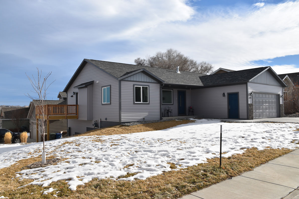 2416 Weeping Willow Court, Sheridan, Wyoming 82801, 5 Bedrooms Bedrooms, ,3 BathroomsBathrooms,Home - Aspen Grove,For Sale,Aspen Grove Lot 33,Weeping Willow,2,1015